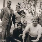 Από αριστερά καθήμενοι: Ασλανίδης Ανδρέας, Σεμερτζίδου Ελένη, όρθιοι,Σεμερτζίδης Κωνσταντίνος Σεμερτζίδου Ευτυχία, Αβραμίδου Ζωή